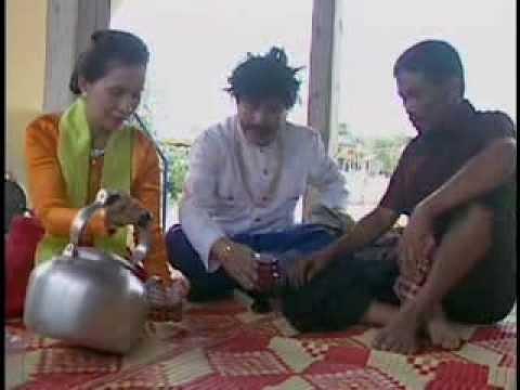 Download Khmer Comedy: សេដ្ឋីឣ៊ូរ៉ានស្រាតាប៉ែ (Sedthei Orunn Sra Tabea) 1/2