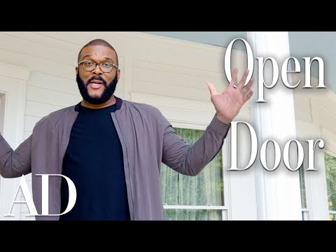KJ Brooks - Tyler Perry Takes You On A Tour of His Studios