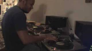 DJ Love - Impromptu Scratch Session