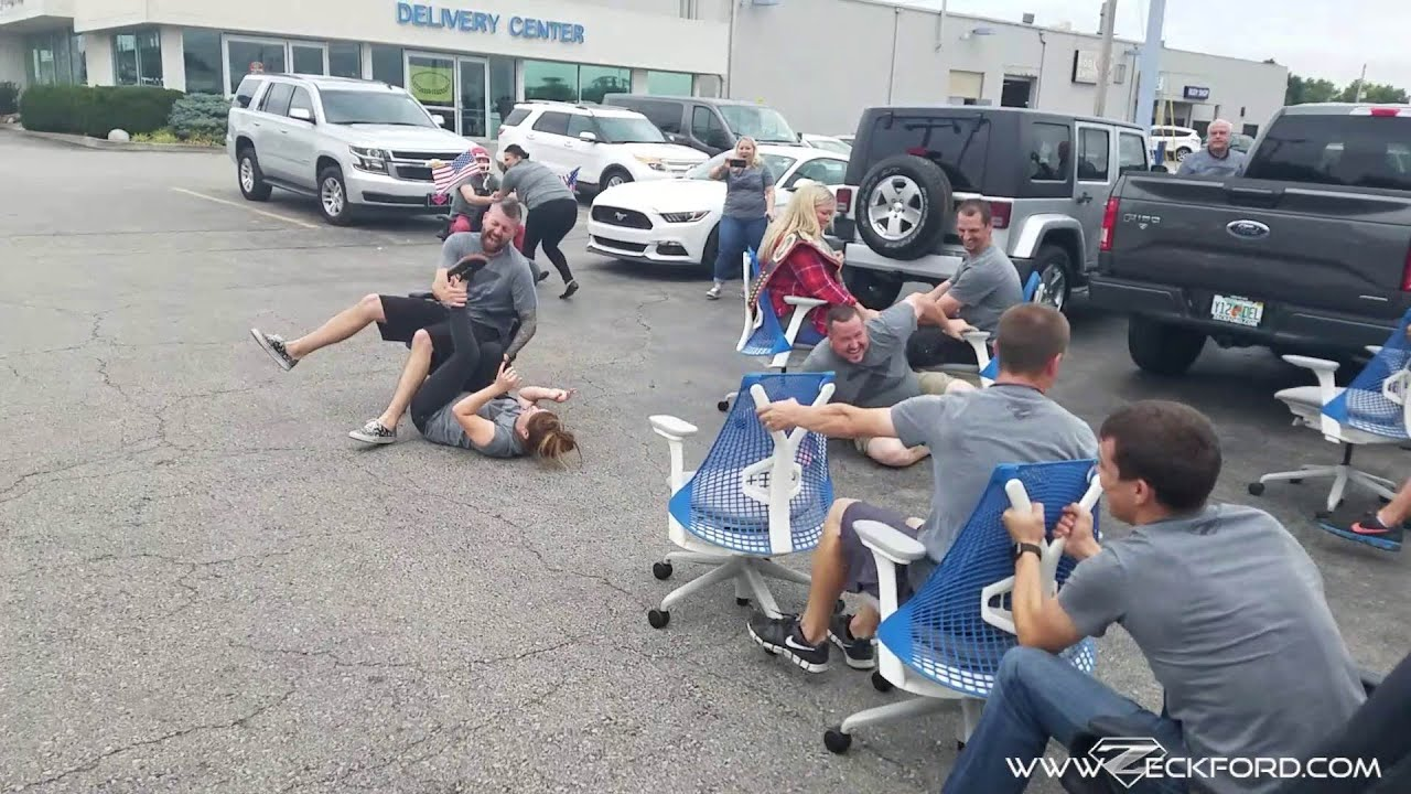 Hillarious Office Chair Rowing Video