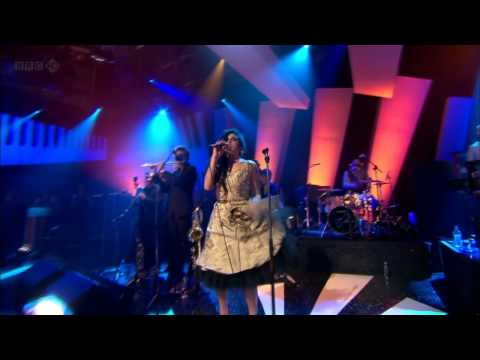 Amy Winehouse Tears Dry On Their Own - Later with Jools Holland Live HD