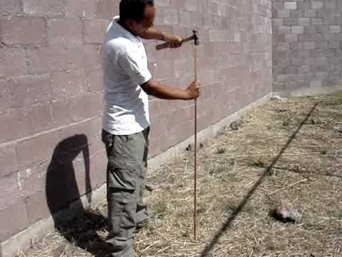 Preparacion de la tierra fisica youtube for Instalar toma de tierra