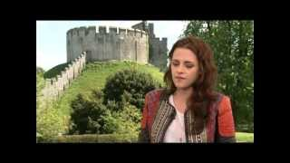 Kristen Stewart, Chris Hemsworth & Charlize Theron Interview: SNOW WHITE AND THE HUNTSMAN