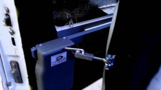 Автоматическая боковая дверь реечного типа Mercedes Vito 638 639(, 2013-05-22T07:32:47.000Z)