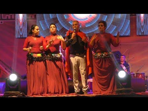 احوزار  يلهب منصة السنوسية بقرية با محمد  و ينزل الى الجمهور  و يهدي لهم اغنية خاصة