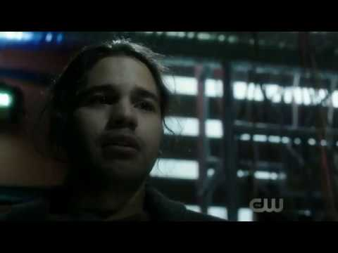 The Flash   Season 3 3x19 Cisco Loses His Hands Fighting Killer Frost