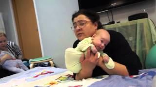 Людмила Краснобаева. Отвисаем и расслабляем шею малышу.