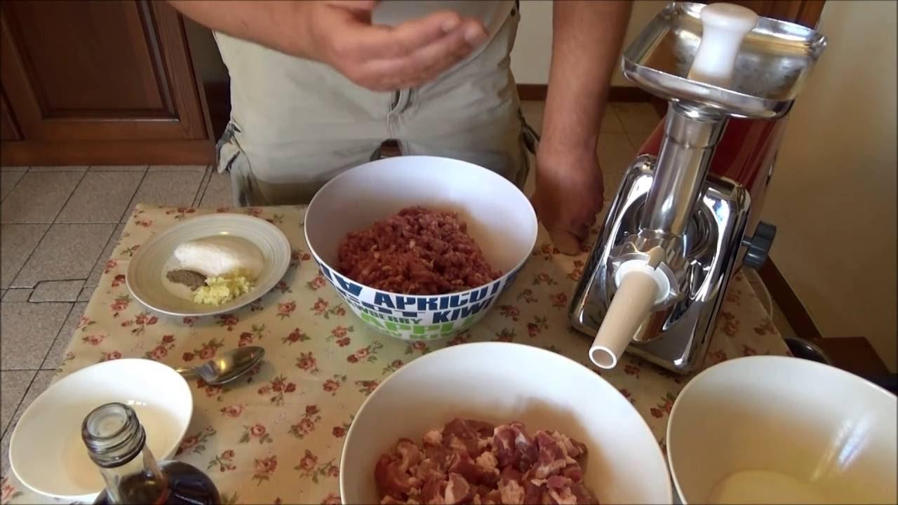 Вкуснейшая домашняя жареная колбаса . А также поговорим о мясорубках .