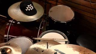 Georji  2NE1 I love you (drum cover)