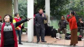 Guangzhou 2011: Canto y baile callejero