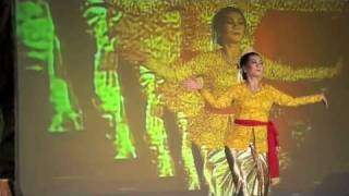 A jaipongan dance piece performed in bandung, west java on june 20, 2010.