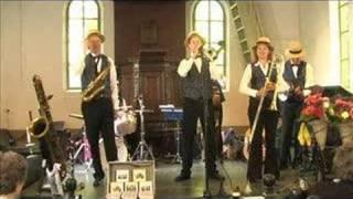 Dixieland Crackerjacks - Shout
