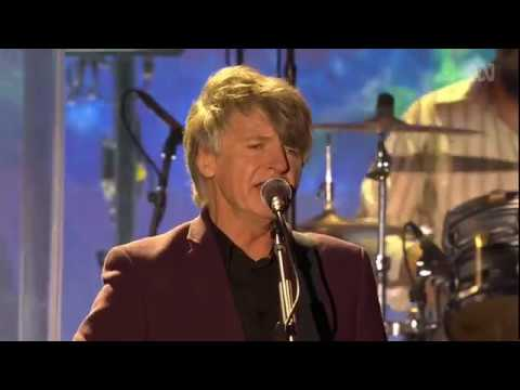 Crowded House - Don't Dream It's Over (Live At Sydney Opera House)