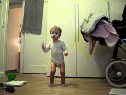 Baby dancing tik tok - YouTube