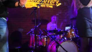 "Егор Федотов и Роман Рогач - Fall Out Boy – The Takes Over (Rock-School ""Discovery"")"