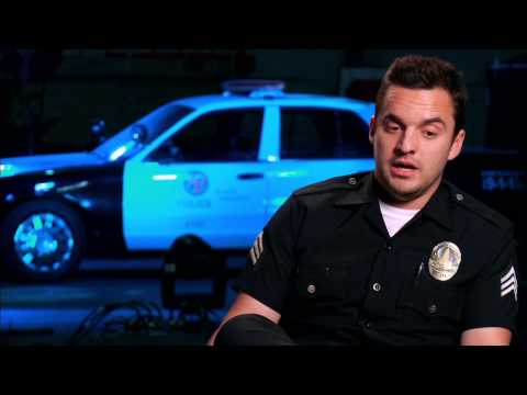 "Let´s Be Cops: Jake Johnson ""Ryan"" Behind the Scenes Movie Interview"