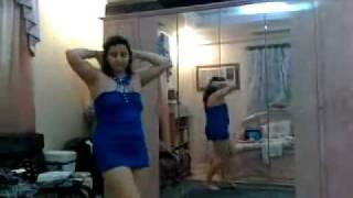 Repeat youtube video رقص منزلي خاص بالأزرق القصير