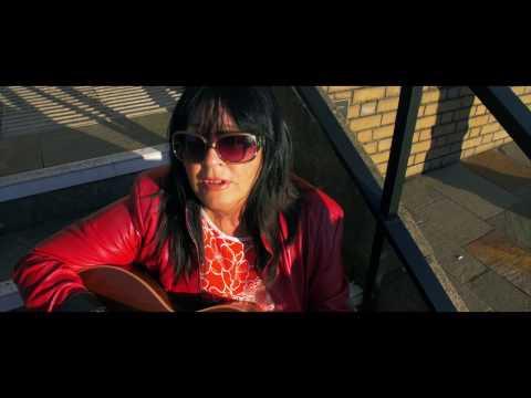 Mari Jackson - The Holywood Song