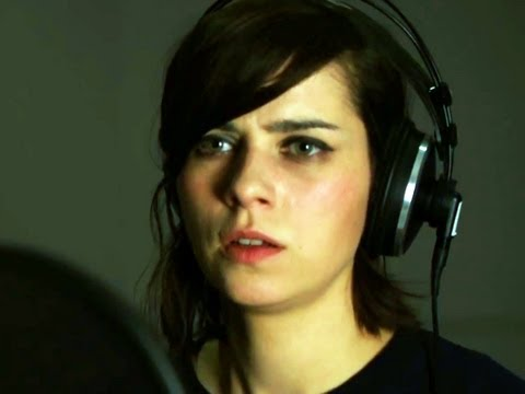 TOMB RAIDER | Nora Tschirner spricht Lara Croft Dokumentation [HD]