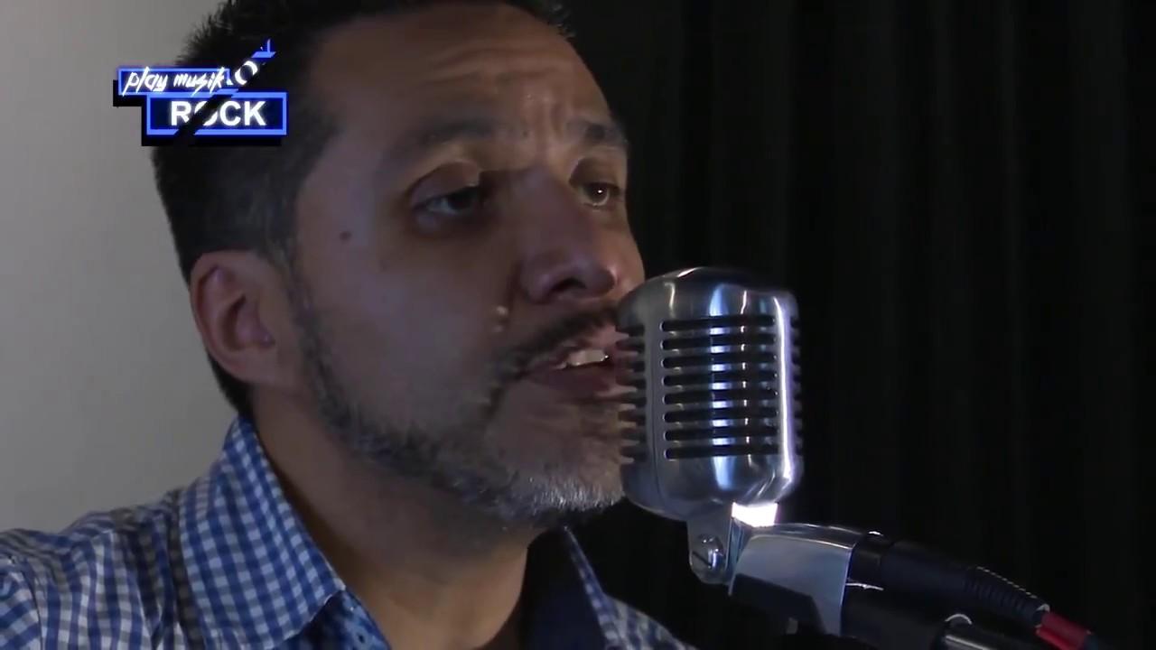 Sesión con la increíble música del cantautor  Alberto Raya