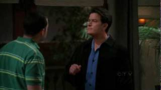 """Two and a half men - """"There it is!"""" (Charlie & Alan)"""