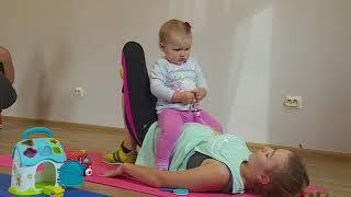 Молодые матери в Вилянах занимаются спортом вместе с детьми