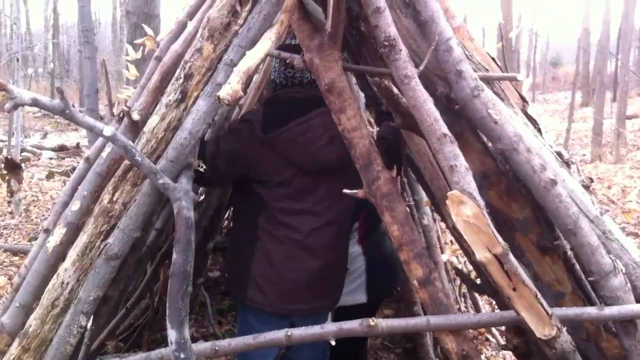 Easy Forts To Build Boys Building Fort Youtube