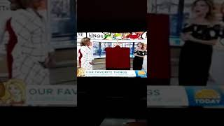 Kathie Lee gives Hoda painting gift