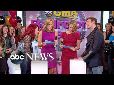 'DWTS' Cast Play Hollywood Trivia Game
