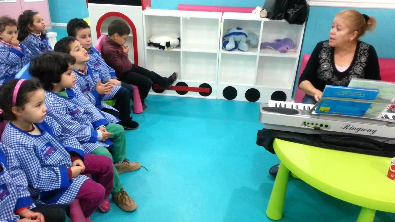 Activit s musicale au jardin d 39 enfants la marelle jardin d 39 el menzah 2 tunis youtube - Jardin d enfant en tunisie ...