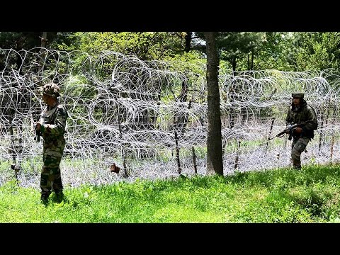 Pakistan violates ceasefire in Uri sector, two days after terror attack on army HQ   Oneindia News