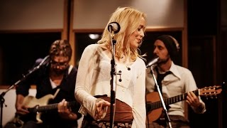 Lisa Ekdahl - Look to your own heart (Live at Studio Atlantis)