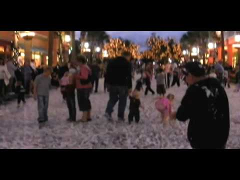 Christmas Event In Florida.Now Snowing Event In Celebration Florida
