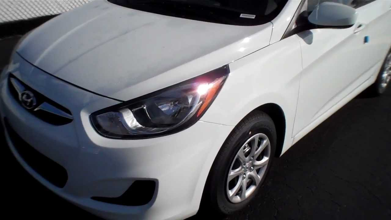 2013 Hyundai Accent Walk Around 47 MPG