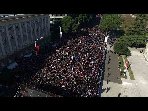 Thousands of people rally to call for cabinet resignation in Albania