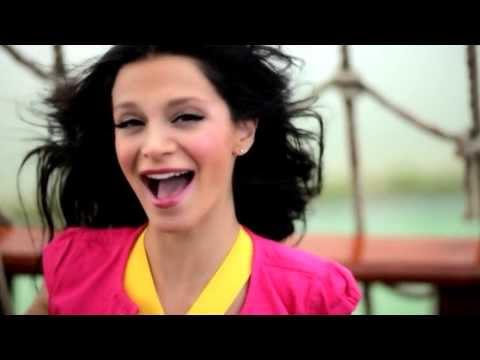 Grup Hepsi - Harikalar Diyarı (Official Video)