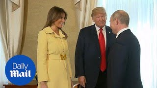 Melania Trump wears a Gucci yellow jacket to meet Putin - Daily Mail