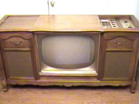 Very 1962 Tube Magnavox Console Stereo/Television Set - YouTube CW13