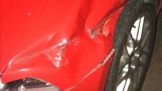 Парень увидел вмятину на своей машине, прочитав записку на стекле по его лицу расползлась улыбка