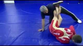 Вольная борьба-переворот скрестным захватом, freestyle wrestling training .