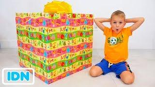 Vlad dan Nikita Pilih Mainan Hadiah untuk Roma