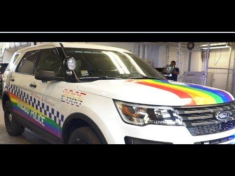 Chicago Police Department unveils raindow-decorated Ford