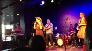 Erin - Vanha Nainen Hunningolla (Live at Musiikkitalo 7.5.2012)