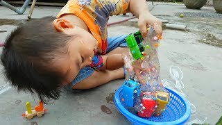 Trò Chơi Bé Vui Xe Mới Chất Dẻo ❤ ChiChi ToysReview TV ❤ Đồ Chơi Trẻ Em Baby Doli Song