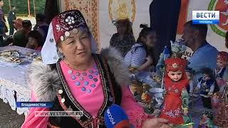 Народными плясками и пловом в дальневосточной столице отпраздновали  Сабантуй