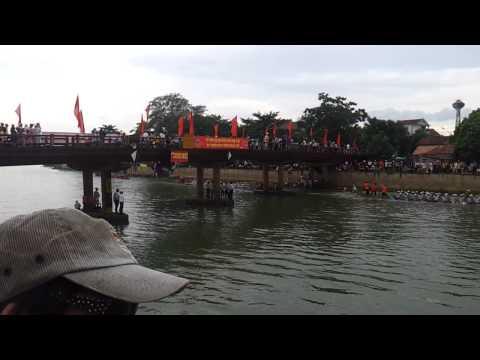 Le hoi dua thuyen Le Thuy - Quang Binh 02.9.2012