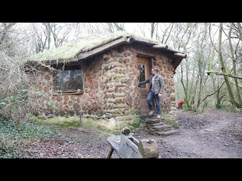 Living Off Grid In The Woods (House Tour And Morning Chores)