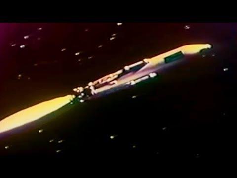 Download THE SKY CALLS   Nebo zovyot   Battle Beyond The Sun   Full Length Sci-Fi Movie   English   HD