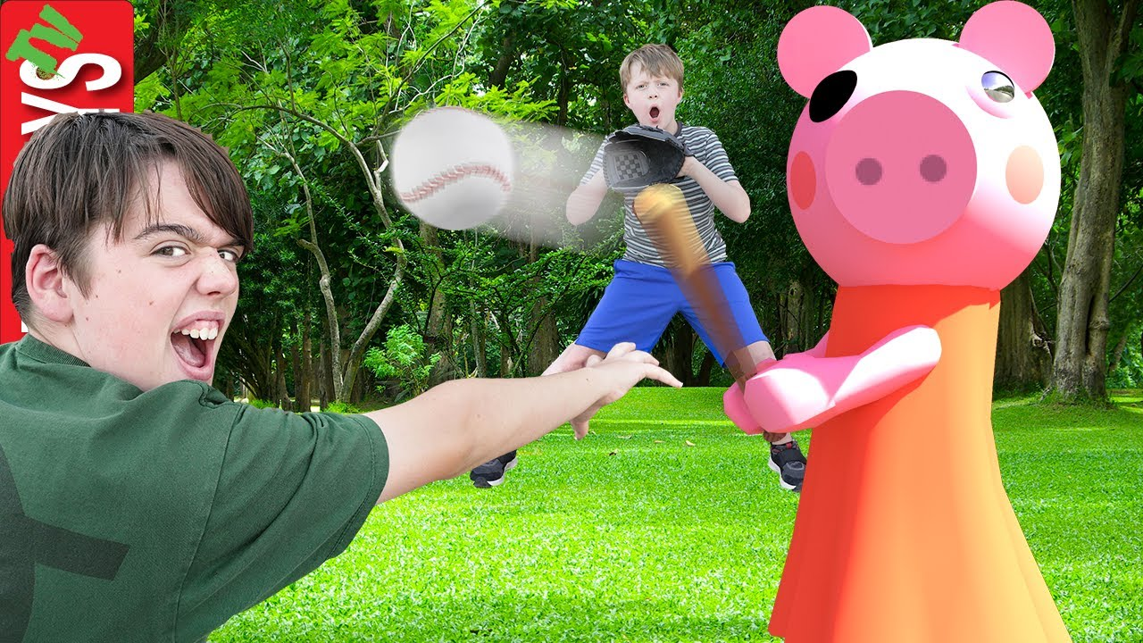 Roblox Piggy Likes to Play Baseball! Homerun Challenge!