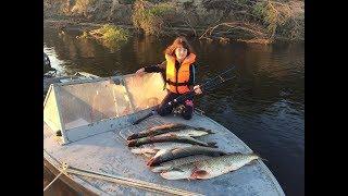 Рекордная щука дочери. Рыбалка троллингом. Рыбалка в Нарьян-Маре. Fishing trolling.